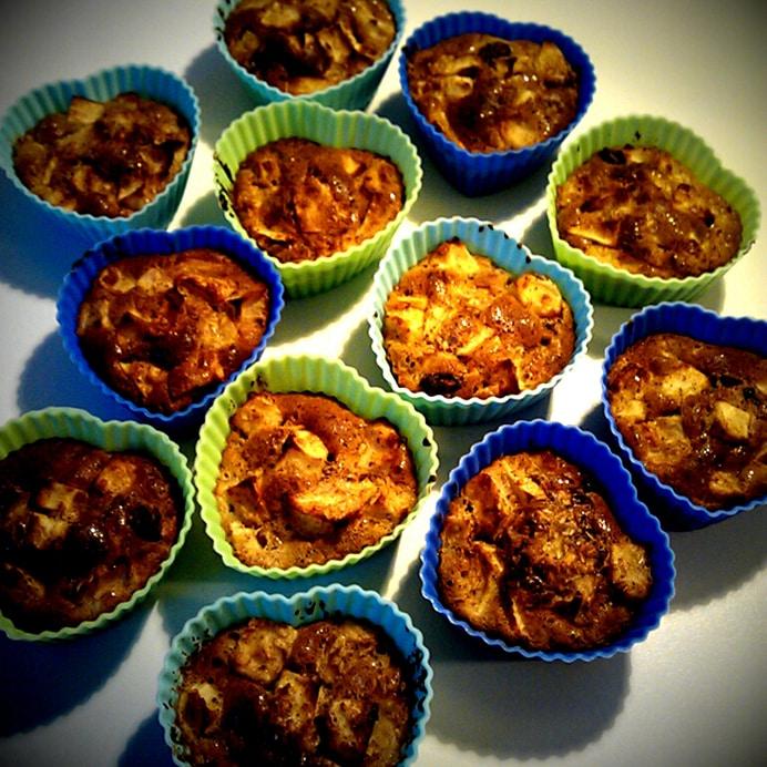 Æble-rosin-muffins i siliconeforme, efter bagning