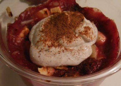 Bagt morgengrød med hindbær og skyr-creme