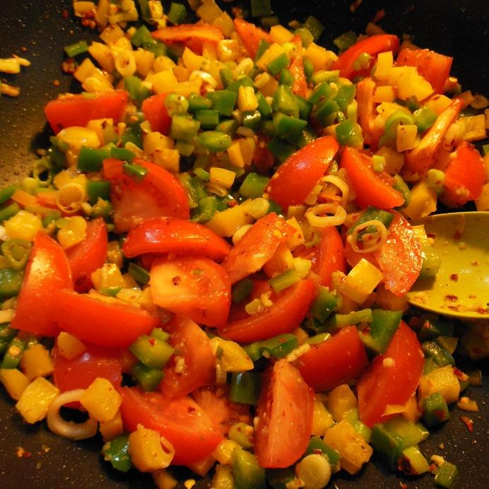 Tomater tilsættes