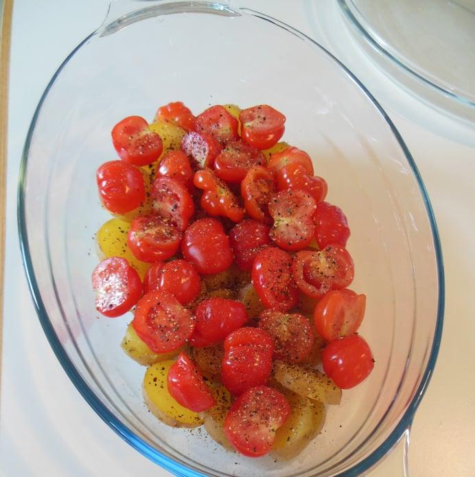 Torsk i fad - kartofler og tomater