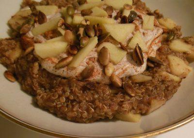 Quinoagrød med chia & æble