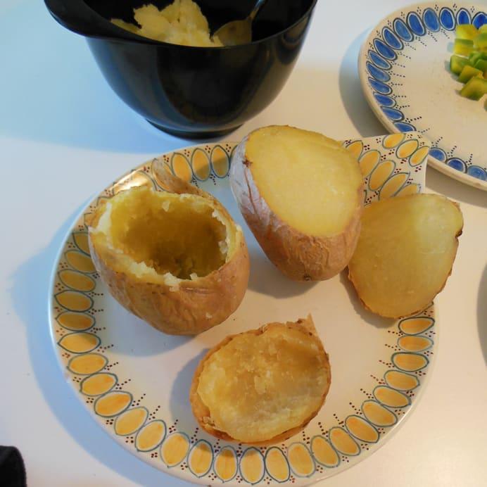 Bagte kartofler med fyld - skrabet fri