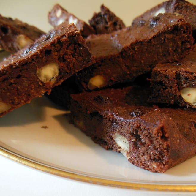 Bønne-brownie uden mel