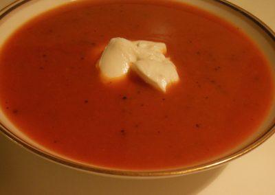 Tomat-peberfrugt suppe
