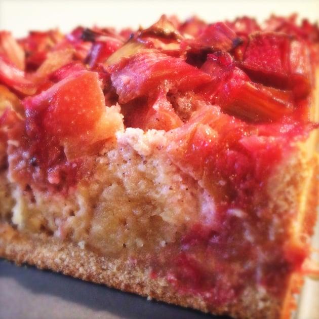 Rabarbertærte med marcipan-fyld (glutenfri + uden tilsat sukker)