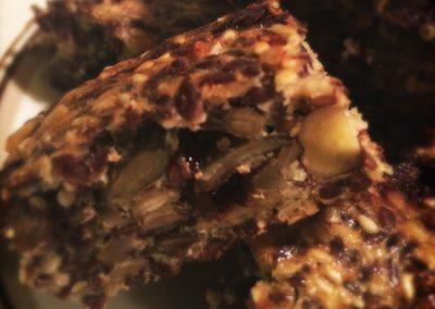 Stenalder-hapsere med dadler og chokolade